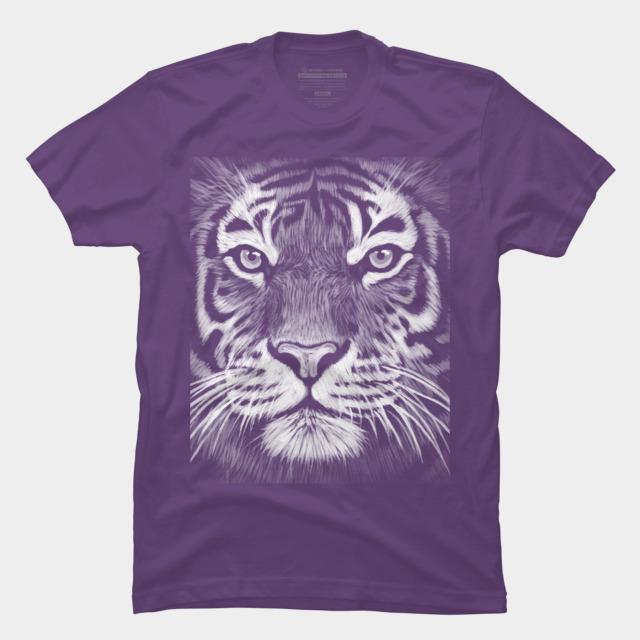 Фиолетовая футболка с принтом